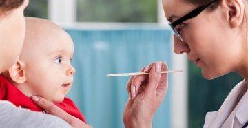 Оптимальный возраст детей для подрезания уздечки под языком