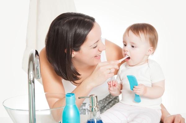 Массаж при прорезывании зубов