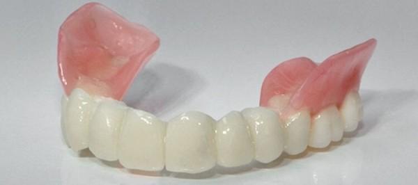 Какие лучше вставить жевательные зубы