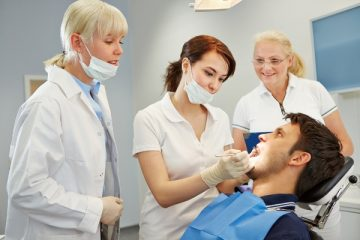 Что делать, когда крошатся зубы у ребенка и взрослого человека