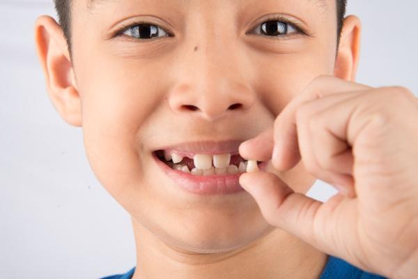 Патологии при смене зубов