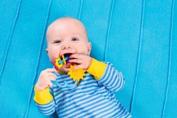 Сроки и отклонения прорезывания молочных зубов
