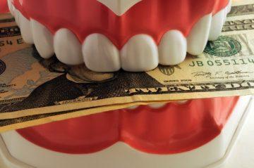Сколько стоит вставить зуб и услуга протезирования
