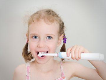 С какого возраста рекомендовано применение электрической зубной щетки для детей