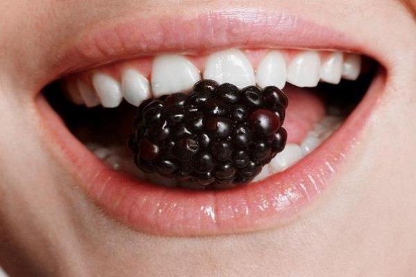 Покрытие зубов лаком отзывы