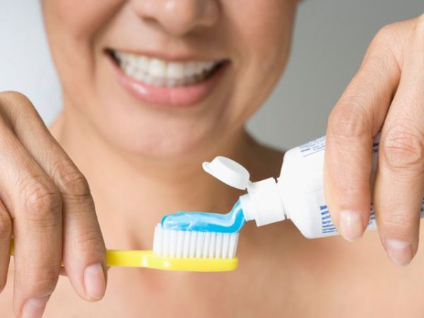 Что означают белые пятна на зубах