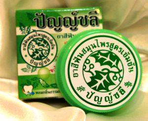 Черная зубная паста из Тайланда