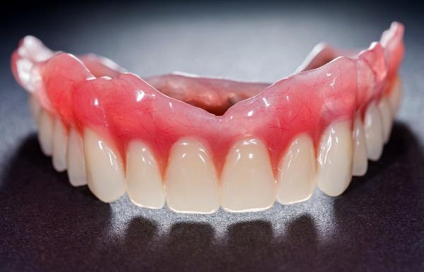 Зубные протезы какие лучше цена