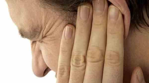Болит челюсть справа при жевании отдает в ухо