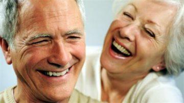 Корега – состав и виды крема для фиксации зубных протезов