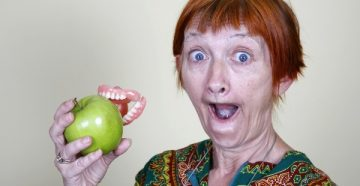 Крем Rocs для зубных протезов – рекомендации по применению