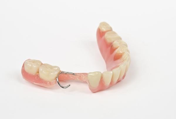 Покрывной зубной протез отзывы