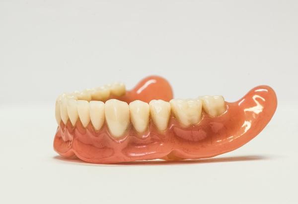 Протезирование зубов при полном отсутствии зубов отзывы