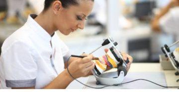 Как проводится ремонт зубного протеза