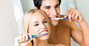Как правильно чистить зубы – видео об использовании различных приспособлений