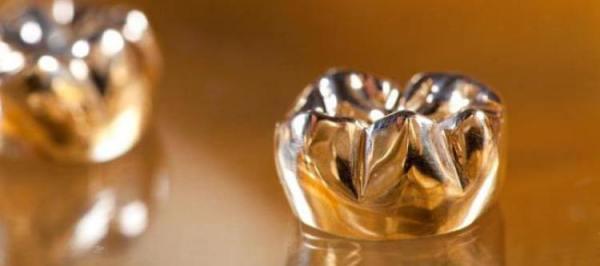Этапы изготовления цельнолитой коронки с керамической облицовкой фото