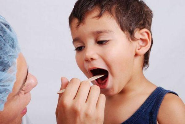 Аллергический стоматит у детей фото