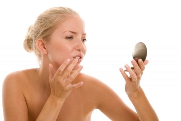 Почему зубная паста помогает от прыщей