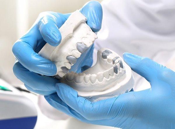 Имплантация зубов в государственной стоматологии хэйхэ стоимость